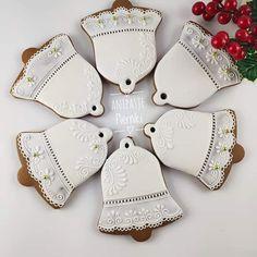 Iced Cookies, Cut Out Cookies, Royal Icing Cookies, Cake Cookies, Sugar Cookies, Cupcakes, Christmas Sweets, Christmas Cookies, Christmas Holidays