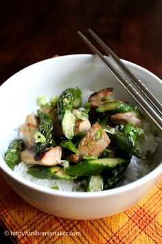 I love a good stir-fry at home.  What's not to love? Veggies, pieces of meat, quick, and it doesn't weigh you down after eating.  I love veggies of all kind but I prefer mine cooked rather than con...