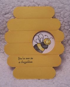 Paper Joy Boutique: DCC - Shaped cards - Nothing square or rectangle Bee Crafts, Crafts For Kids, Paper Crafts, Cute Cards, Diy Cards, Bee Party, Shaped Cards, Bee Theme, Birthday Cards