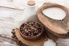 *Boisson au beurre / huile venant des États-Unis faite à base de café et de graisse, mais pas n'importe laquelle : destriglycéride à chaîne moyenne.