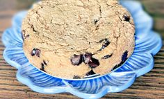 deep-dish cookie pie- 2 cans white beans or garbanzos (drained and rinsed) (500g total, once drained)  1 cup quick oats (or certified-gf quick oats)  1/4 cup unsweetened applesauce  3 tbsp oil (canola, veg, or coconut)  2 tsp pure vanilla extract  1/2 tsp baking soda  2 tsp baking powder  1/2 tsp salt  1 and 1/2 cups brown sugar (EDIT: click for a Sugar-Free Version.)  1 cup chocolate chips