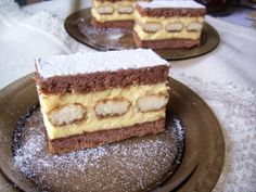 Tiramisu, Waffles, Deserts, Breakfast, Ethnic Recipes, Food, Cakes, Projects, Morning Coffee