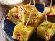 Frittata Snacks: Recipe for Country Cooking for Me Appetizers For Party, Appetizer Recipes, Snacks Recipes, Party Recipes, Frittata Recipes, Potato Frittata, Party Finger Foods, Eat Smarter, Grilling Recipes