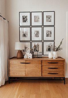 Photo Wall Decor, Easy Wall Decor, Dining Wall Decor Ideas, Wall Decor Design, Home Decor Wall Art, Home Living Room, Living Room Decor, Gallary Wall, Bedroom Wall