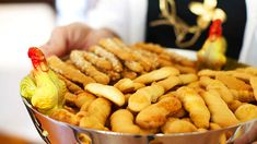 Greek Easter biscuits (koulourakia paschalina)