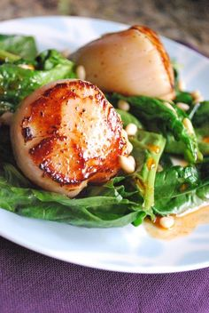 Scallops with Spinach and Paprika Syrup by betsylife #Scallops #Spinach #Healthy