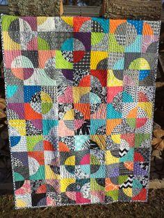 "Kat & Cat Quilts: ""Drunken Circles"" do. Good Stitches quilt is done!!"