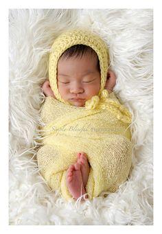 {Jennarations Yarns} Yellow Newborn Bonnet Photo Prop FREE SHIPPING. $22.00, via Etsy.