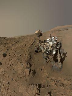 Happy 1 (Martian) Year Anniversary Mars Curiosity!