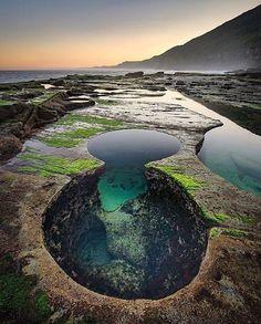 """Figure 8 Pool, Royal National Park Australia. Photography by @Tscharke #earthvacations"""