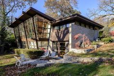 Wright and Like tour gives rare look at homes designed by Frank Lloyd Wright and his disciples