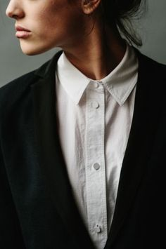 white shirt/ black blazer Plus Estilo Fashion, Tomboy Fashion, Look Fashion, Fashion Beauty, Fashion Outfits, Looks Street Style, Looks Style, Style Me, Style Minimaliste