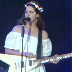 ᥎Ꭵdꫀ᥆ ꫀdᎥtꫀd bᥡ ꦒꫀ → ﹫,‹ꪜ. Music Aesthetic, Aesthetic Videos, Lana Del Rey Honeymoon, Lana Del Rey Video, Lana Del Ray, Olay Regenerist, Amy Winehouse, Sad Girl, Celebs