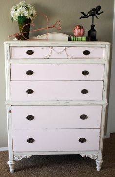 LOVE the delicate colors!!! Classy Clutter: Homemade Chalk Paint