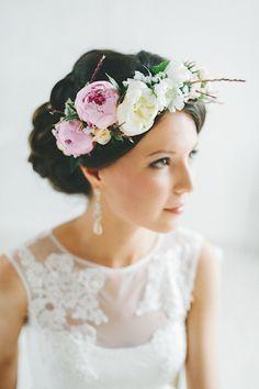 Wedding Hair With Flowers & jewels : adorable russian wedding Wedding Hair And Makeup, Wedding Hair Accessories, Bridal Hair, Wedding Headband, Bridal Flowers, Flowers In Hair, Wedding Story, Dream Wedding, Russian Wedding