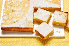 These Easy Lemon Bars are full of citrus flavour. What's even more amazing is that these Easy Lemon Bars take just 15 minutes to prep. Cookie Desserts, No Bake Desserts, Dessert Recipes, Fun Baking Recipes, Lemon Recipes, Lemon Bars, 20 Min, What To Cook, Original Recipe