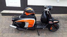 Piaggio Vespa, Lambretta Scooter, 4 Wheelers, Motor Scooters, Italian Beauty, Paint Ideas, Transportation, Greece, Motorcycles