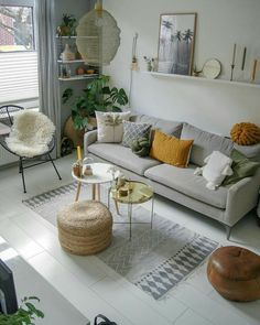 58 Attractive And Inspiring Modern Minimalist Living Room Designs ~ Ideas for House Renovations Home Living Room, Apartment Living, Interior Design Living Room, Living Room Designs, Living Room Decor, Living Room Cushions, Interior Livingroom, Small Living Rooms, Modern Minimalist Living Room