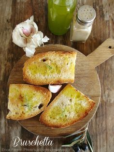 Bruschetta with new oil -  Bruschetta con olio nuovo #santospiritofirenze / opiekany chleb ze świeżą oliwą z oliwek