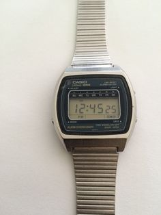 Retro Watches, Vintage Watches, Lcd, Wrist Watches, Casio Watch, Gadgets, Retro Clock, Clocks, Accessories