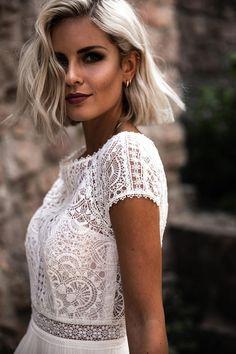 New bridal fashion at Jolie - Wedding dress chiffon skirt with lace top - Chiffon Rock, Wedding Dress Chiffon, Wedding Dress Trends, Wedding Dresses, Wedding Ideas, Boho Wedding, Dream Wedding, Bridal Style, Marriage