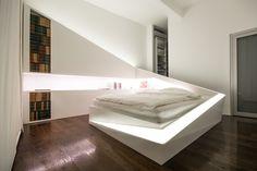 Dieses Bett wird effektvoll beleuchtet