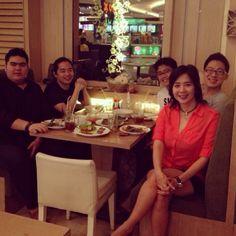 Dinner with handsome teenagers @leonardododo_ @elziwai @rezafs @mreddo