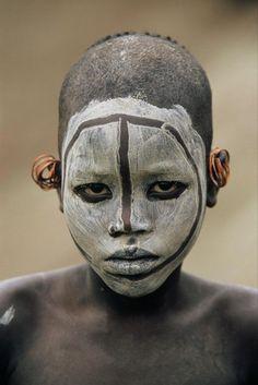 Vallée de l'Omo - Ethiopie - Peintures corporelles. Omo valley. Ethiopia, body paintings.