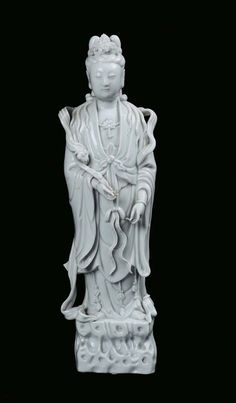A Blanc de Chine porcelain Guanyin, China, Dehua, Qing Dynasty, 19th century.PhotoCambi Casa dAste