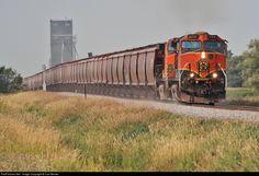 RailPictures.Net Photo: BNSF 1104 BNSF Railway GE C44-9W (Dash 9-44CW) at Merrifield, North Dakota by Carl Becker