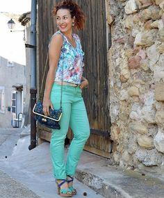 Coucou tout le monde, mon nouveau #look @grain_de_malice est en ligne www.jenychooz.com Une tenue colorée et pleine de pep's qui j'espère vous plaira  Bonne soirée #ootd #blogmode #lookcasual #jenychooz #blogueusedusud #blogueusemode #fashionblogger #frenchblogger #vacqueyras #vaucluse #avignon #style #love #graindemalice #tropical #follow #followme #besstyled
