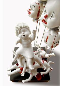 Dangerously beautiful ceramic artwork by Maria Rubinke Creepy Art, Creepy Dolls, Weird Art, Scary, Porcelain Ceramics, Ceramic Art, China Porcelain, Art Jouet, Non Plus Ultra