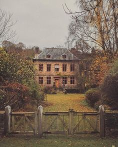 Beautiful Buildings, Beautiful Homes, Beautiful Places, English Countryside, English Country Manor, My Dream Home, Old Houses, Future House, Scenery