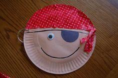 Piratas Paper Plate Art, Paper Plate Crafts, Paper Plates, Kids Crafts, Summer Crafts, Family Crafts, Toddler Crafts, Pirate Activities, Craft Activities