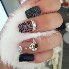 Lily Nails, Nail Mania, Nail Jewels, Rhinestone Nails, Fancy Nails, Creative Nails, Winter Nails, Toe Nails, Acrylic Nails