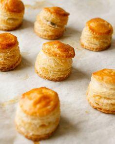Treats: Bánh Patê Sô