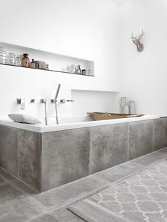 You require a lot of minimalist bathroom ideas. The minimalist bathroom design suggestion has numerous benefits. See the finest collection of bathroom photos. Minimalist Bathroom Design, Modern Bathroom Design, Bathroom Interior Design, Modern Minimalist, Bath Design, Bathroom Designs, Kitchen Design, Bathtub Designs, Kitchen Backsplash