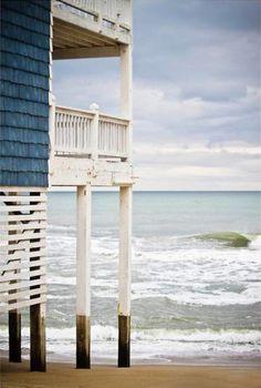 Beachhouse with a balcony!!! Bebe'!!! Beautiful view!!!