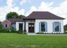 111 Oak Shadows Dr in Youngsville, LA is the picture-perfect starter home!