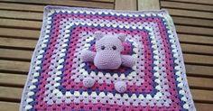 Ich habe mal wieder etwas fertig gestellt. Ein kleines Hippo-Schnuffeltuch. Ich habe es für meine Freundin gemacht, die heute ein Mädchen en...