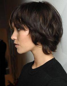 Coupe de cheveux carré dégradé avec frange automne-hiver 2016 - Le carré dégradé : nos idées pour l'adopter - Elle