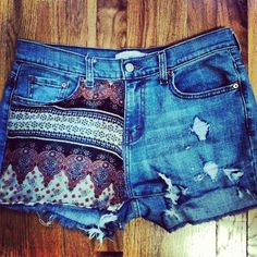 DIY shorts. Super cute design, with awesome summer colors(: