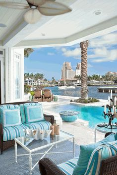 Fort Lauderdale Vacation Home. A patio done on a grand scale.. Luv it..Could I rent it for a week:)