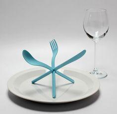 plastic spoon fork knife