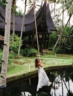 Rope swing over a pool at Bambu Indah-Ubud in Bali I want to go her RR Places Around The World, Oh The Places You'll Go, Places To Travel, Places To Visit, Around The Worlds, Ubud, Les Continents, Adventure Is Out There, Wonders Of The World
