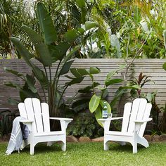 Feature Friday: Sun bleached in the heart of Byron Bay - Househomedecoration Outdoor Areas, Outdoor Chairs, Outdoor Decor, The Atlantic Byron Bay, Townhouse Garden, Sydney, Surf Decor, Deck, Front Yard Landscaping