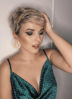 -Short haircuts ideas for woman,Short curly hairstyle for fine hair, curling short hair, curled hair short, #curlyhair #ShortHair #Hair #HairColor, Short hair;Edgy short hair;Short hair for women;short pixie haircut; female short hair Pretty Short Hair, Edgy Short Hair, Short Blonde Bobs, Short Curly Hair, Short Hair Cuts, Short Hair Styles, Thick Hair, Short Pixie Haircuts, Pixie Hairstyles