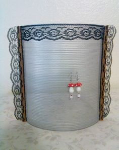 Upcycled Sifter Earring Display or Organizer. #LoveLeeLunacy, #PCFTeam,