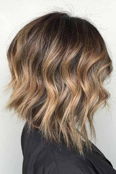 10 Must Hacks For Balayage Perfection Inverted Bob Haircuts, Long Bob Hairstyles, Hairstyles Haircuts, Pretty Hairstyles, Lob Haircut Straight, Line Bob Haircut, Haircut Long, Balayage Lob, Textured Haircut