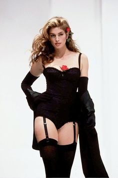 Cindy Crawford in spring/summer 1992, modelling the corset look the duo are so famous for from La Dolce Vita collection
